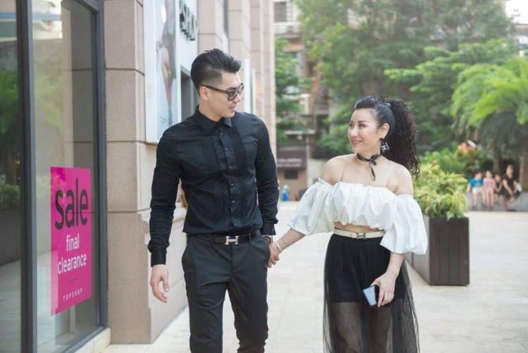 Nhan sắc thực tế ngoài đời của vợ Trương Nam Thành - doanh nhân lớn tuổi có hai con riêng - Ảnh 5