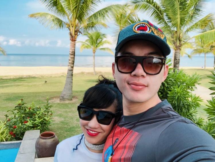 Nhan sắc thực tế ngoài đời của vợ Trương Nam Thành - doanh nhân lớn tuổi có hai con riêng - Ảnh 9