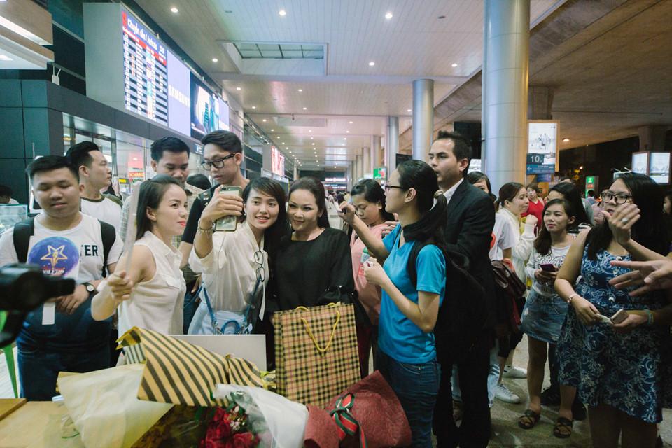 Như Quỳnh xuất hiện giản dị ở sân bay, nhan sắc vẫn gây thương nhớ như năm nào - Ảnh 5
