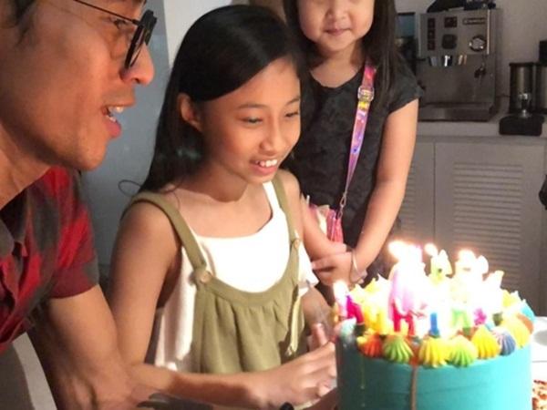 Phạm Anh Khoa hạnh phúc đón sinh nhật con gái cùng 'hội bạn thân'