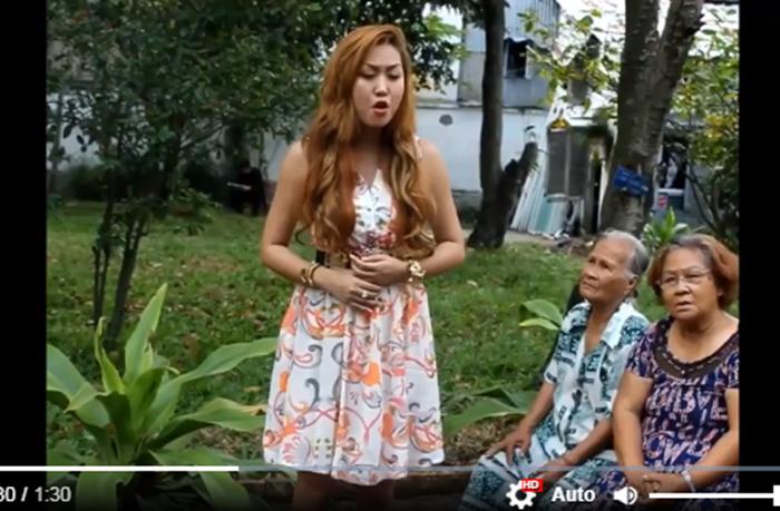 Đi từ thiện, Phi Thanh Vân tra tấn các cụ già bằng giọng hát không thể khủng khiếp hơn - Ảnh 2