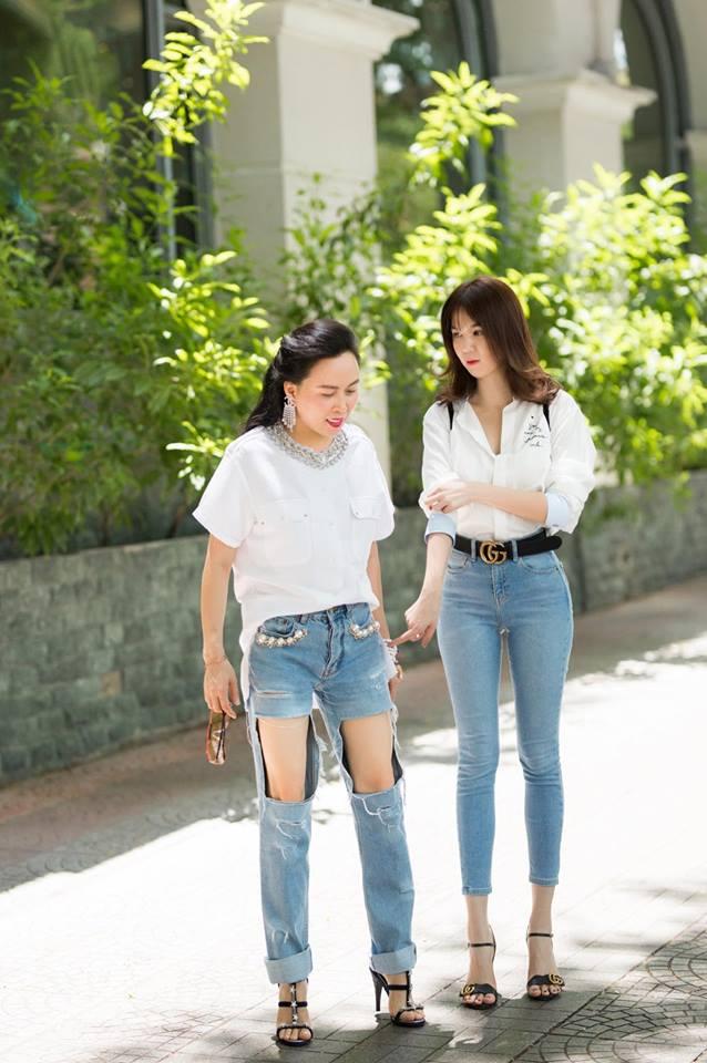 Cùng diện một kiểu quần áo nhưng sao Phượng Chanel và Ngọc Trinh lại khác nhau 'một trời một vực' thế này! - Ảnh 1