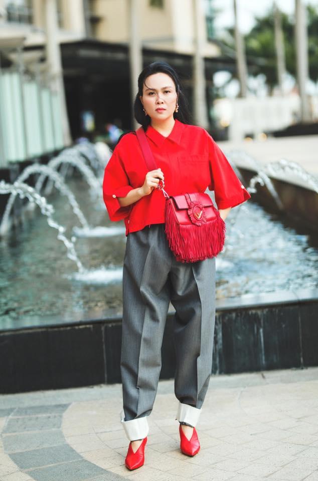 Bị chê bai nhiều, Phượng Chanel vẫn không chừa được tật mặc quần rách tơi tả - Ảnh 14