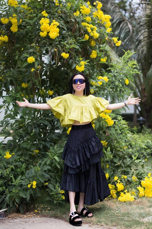 Bị chê bai nhiều, Phượng Chanel vẫn không chừa được tật mặc quần rách tơi tả - Ảnh 8