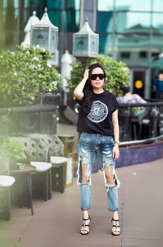 Bị chê bai nhiều, Phượng Chanel vẫn không chừa được tật mặc quần rách tơi tả - Ảnh 10