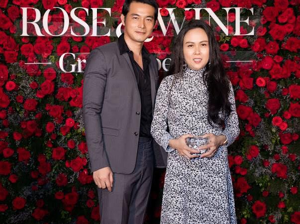 Quách Ngọc Ngoan và Phượng Chanel bất ngờ đính hôn sau gần ba năm chung sống - Ảnh 2