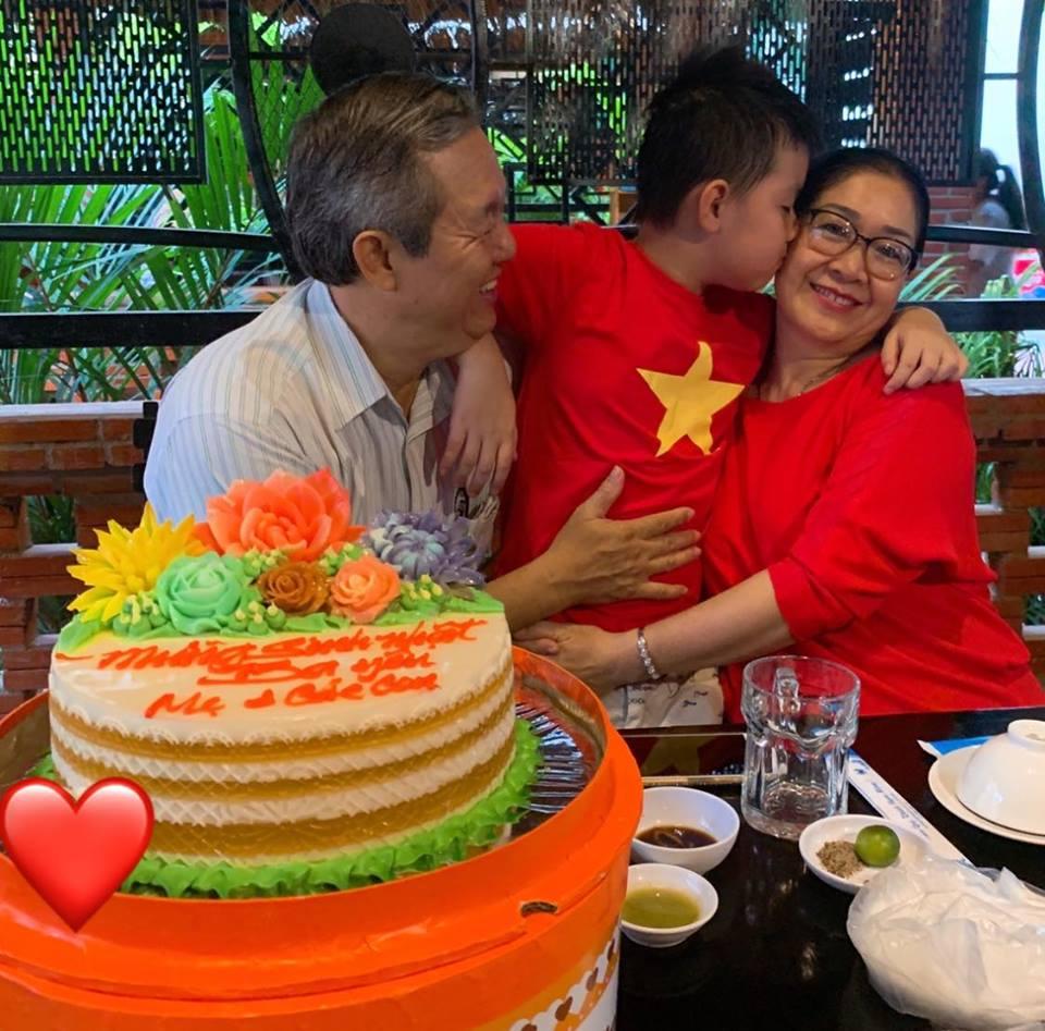 Lê Phương tâm sự xúc động trong ngày sinh nhật ba - Ảnh 2