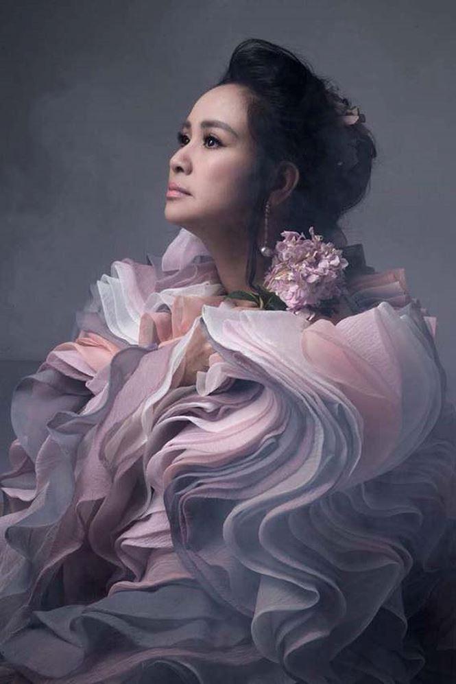 Thanh Lam lần đầu để lộ hình xăm bí ẩn khủng khiếp trên lưng - Ảnh 5