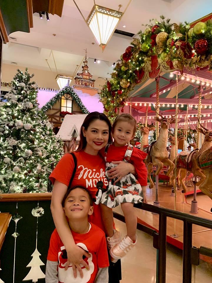 Thanh Thảo khoe ảnh hạnh phúc bên chồng và ba con trước thềm Giáng sinh - Ảnh 8