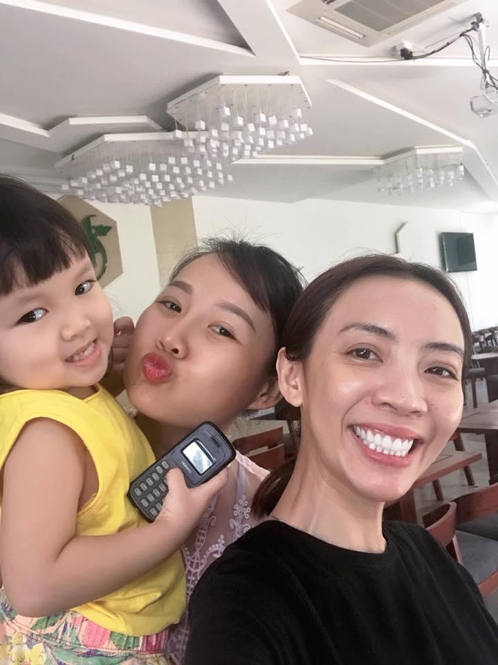 Sau vài tháng sang Hàn phẫu thuật, gương mặt Thu Trang dài ngoằng và lạ lẫm đến khó nhận ra - Ảnh 3