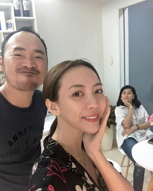 Sau vài tháng sang Hàn phẫu thuật, gương mặt Thu Trang dài ngoằng và lạ lẫm đến khó nhận ra - Ảnh 1