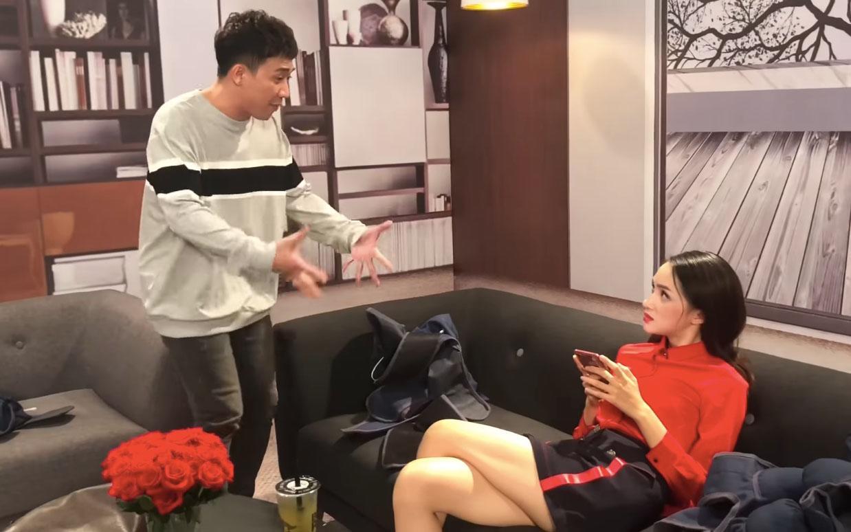 Hết nhại Phi Thanh Vân làm Hoa hậu, Trấn Thành tái hiện màn cô giáo chửi học viên