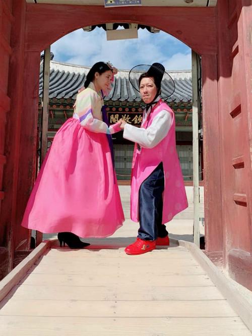 Đưa vợ bầu đi du lịch, hành động ấm áp của Trường Giang khiến fan 'rụng tim' - Ảnh 2