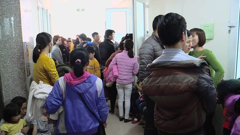 Trường học bị tố dùng thịt bẩn: Thêm hàng nghìn trẻ đi xét nghiệm sán - Ảnh 1