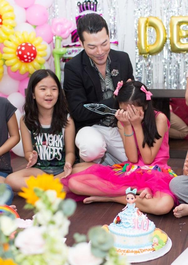 Ly hôn nhiều năm, Trương Ngọc Ánh bất ngờ tái hợp chồng cũ trong tiệc sinh nhật con gái  - Ảnh 4