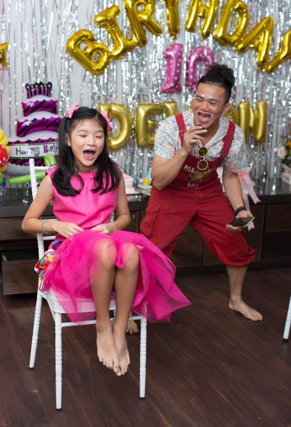 Ly hôn nhiều năm, Trương Ngọc Ánh bất ngờ tái hợp chồng cũ trong tiệc sinh nhật con gái  - Ảnh 6