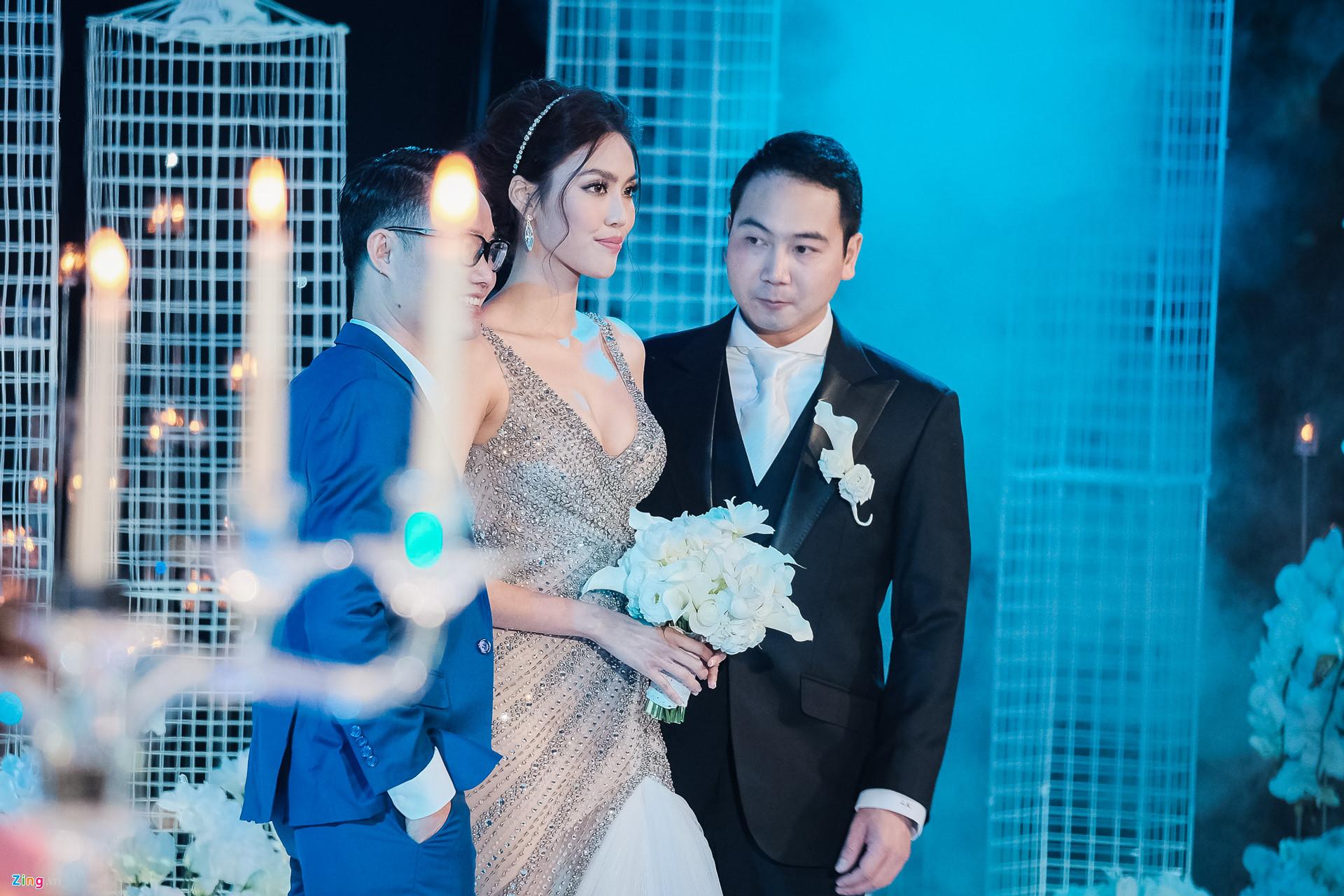 Váy cưới của Lan Khuê giá 500 triệu nhưng đây mới là điều gây choáng nhất - Ảnh 7