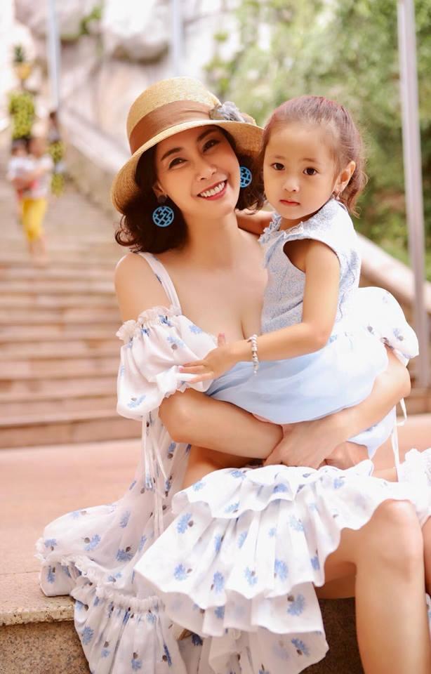 Ngẩn ngơ ngắm vẻ đẹp như thiên thần của con gái Hà Kiều Anh, được dự đoán là Hoa hậu tương lai - Ảnh 1
