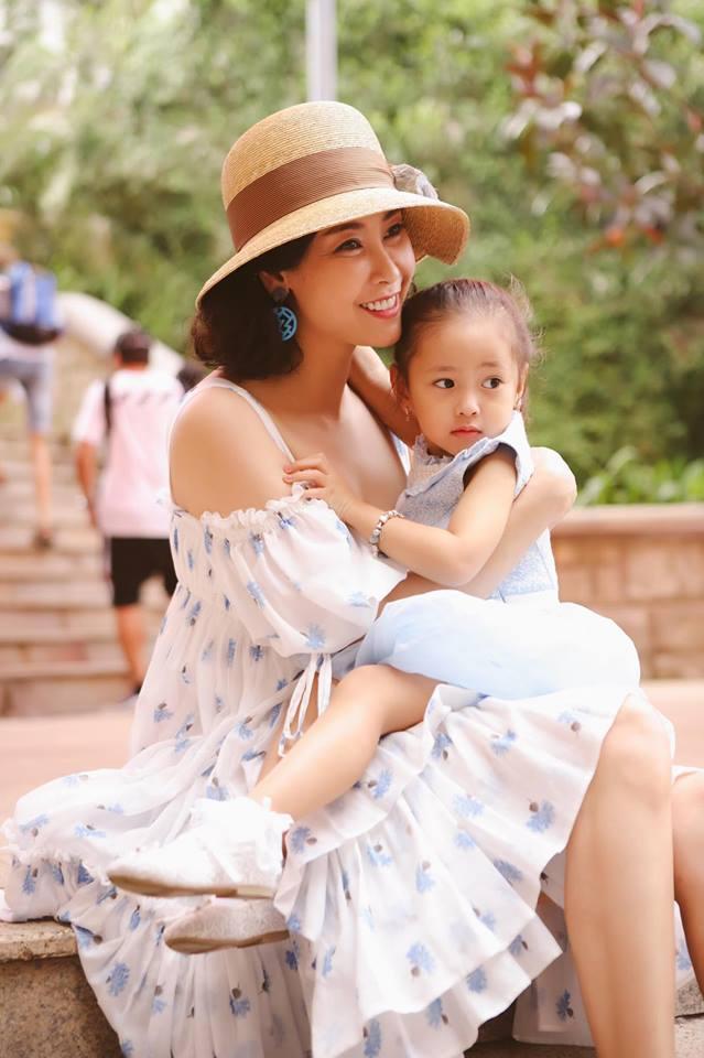 Ngẩn ngơ ngắm vẻ đẹp như thiên thần của con gái Hà Kiều Anh, được dự đoán là Hoa hậu tương lai - Ảnh 3