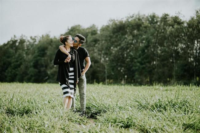Khánh Thi - Phan Hiển hôn nhau đắm đuối sau ồn ào trục trặc tình cảm - Ảnh 2