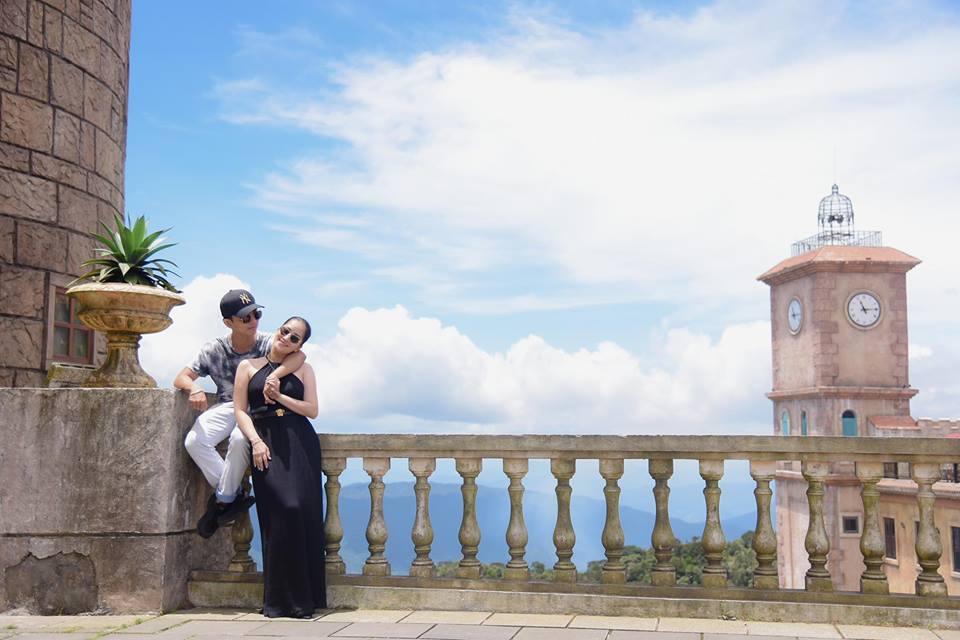 Bộ ảnh vợ chồng Khánh Thi - Phan Hiển vô tư tình tứ trước mặt con trai gây sốt mạng xã hội - Ảnh 11