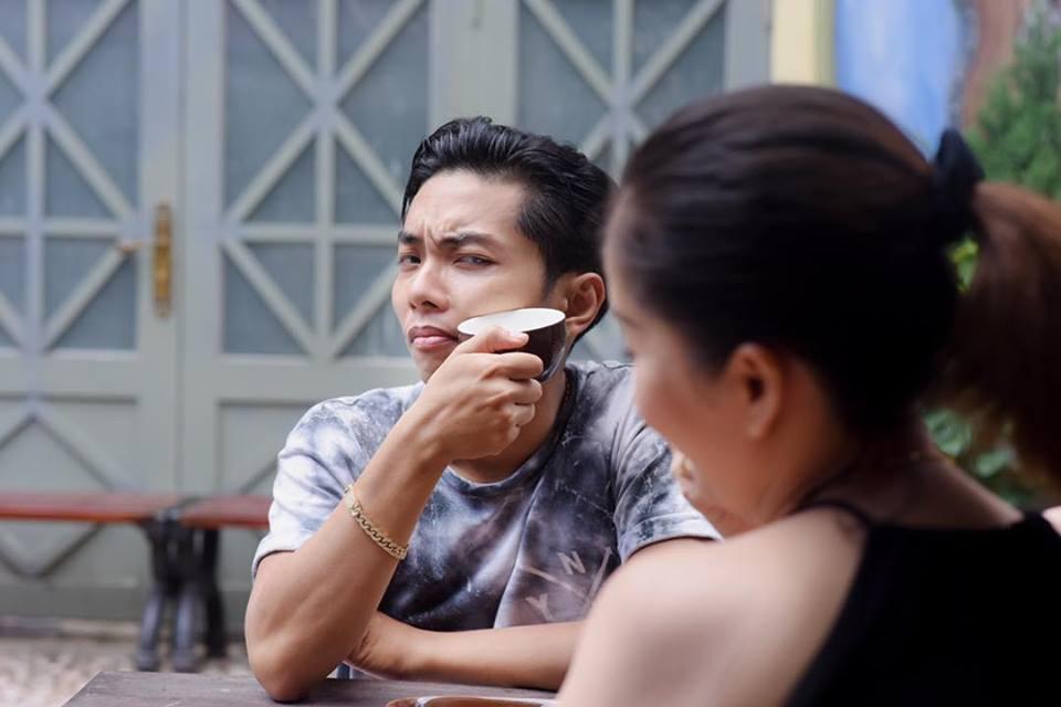 Bộ ảnh vợ chồng Khánh Thi - Phan Hiển vô tư tình tứ trước mặt con trai gây sốt mạng xã hội - Ảnh 8