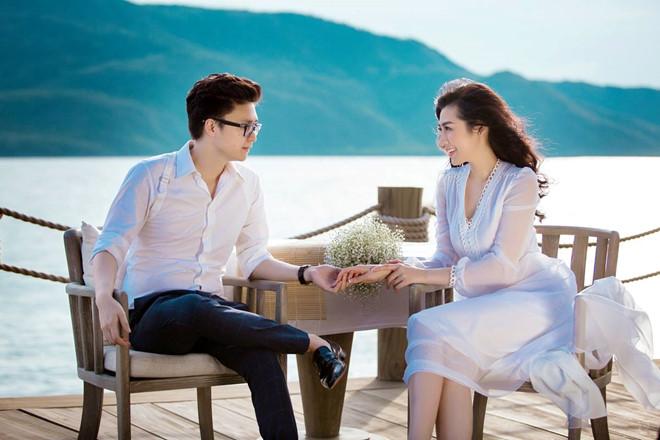 Bất chấp ồn ào với Văn Mai Hương, vợ chồng Á hậu Tú Anh tung ảnh hôn nhau đắm đuối trước thềm đám cưới - Ảnh 11