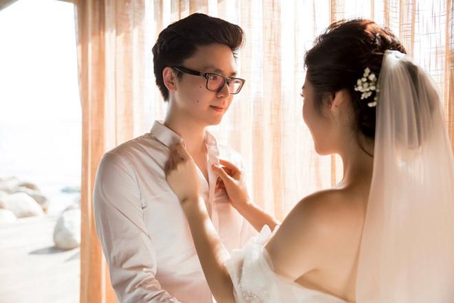 Bất chấp ồn ào với Văn Mai Hương, vợ chồng Á hậu Tú Anh tung ảnh hôn nhau đắm đuối trước thềm đám cưới - Ảnh 2