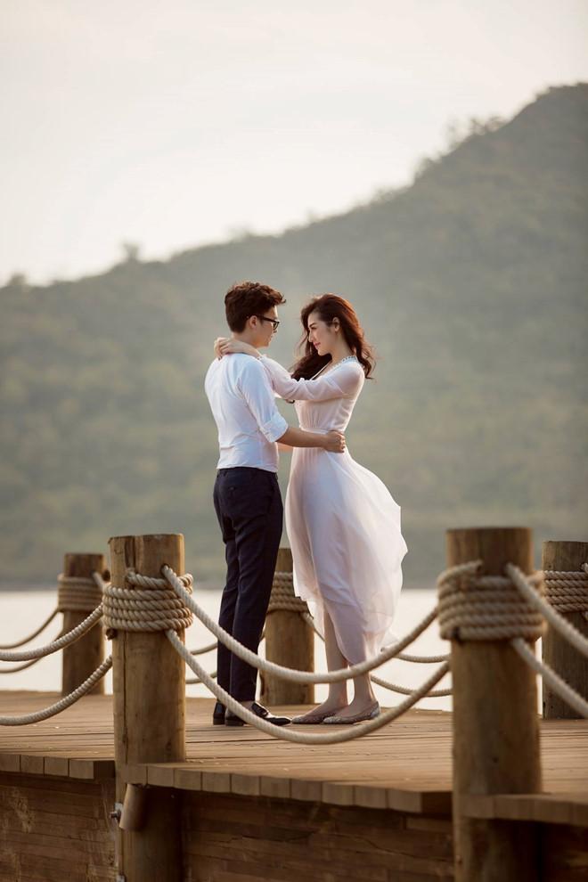 Bất chấp ồn ào với Văn Mai Hương, vợ chồng Á hậu Tú Anh tung ảnh hôn nhau đắm đuối trước thềm đám cưới - Ảnh 7