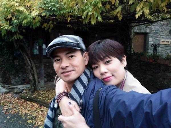 Sau ồn ào nghỉ dạy tại trường CĐ Nghệ thuật, vợ Xuân Bắc bất ngờ báo tin mang thai lần 3 - Ảnh 1