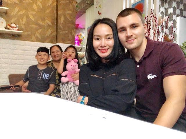 Sau 9 năm ly hôn, vợ cũ MC Thành Trung công khai tình cảm với bạn trai Tây - Ảnh 10