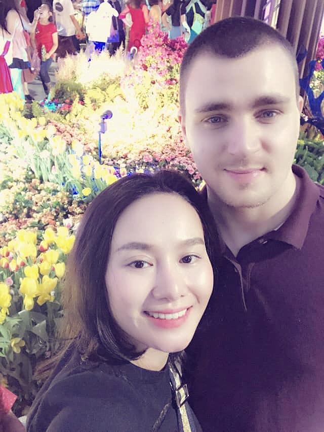 Sau 9 năm ly hôn, vợ cũ MC Thành Trung công khai tình cảm với bạn trai Tây - Ảnh 4