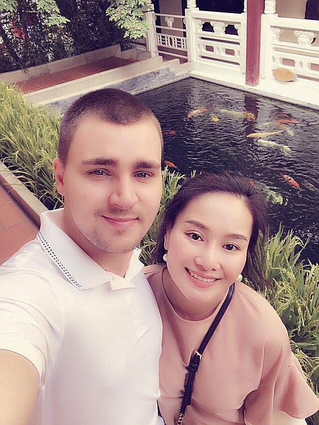 Sau 9 năm ly hôn, vợ cũ MC Thành Trung công khai tình cảm với bạn trai Tây - Ảnh 7