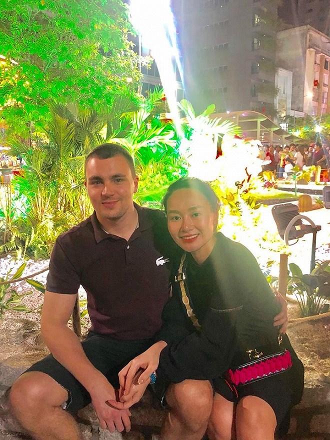 Sau 9 năm ly hôn, vợ cũ MC Thành Trung công khai tình cảm với bạn trai Tây - Ảnh 8