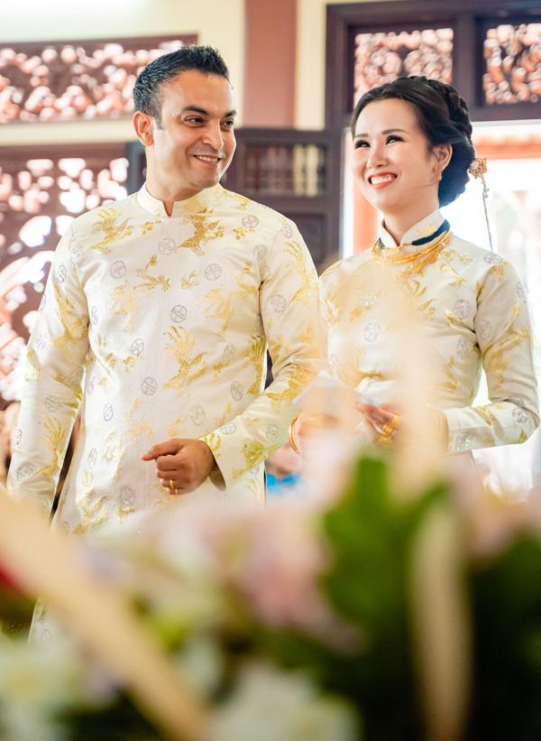 Ghen tỵ với loạt ảnh Võ Hạ Trâm đeo vàng nặng nhức cả cổ và tay trong ngày kết hôn với chồng Ấn Độ - Ảnh 3