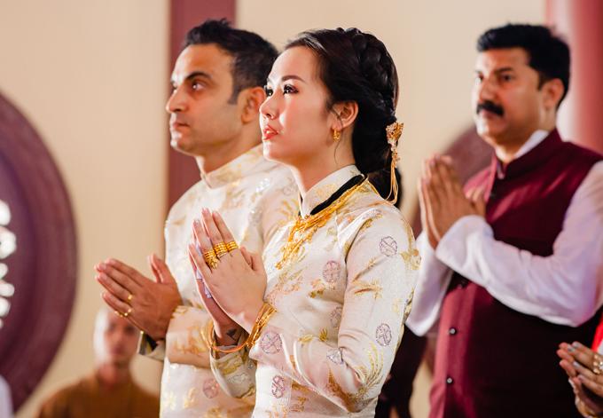 Ghen tỵ với loạt ảnh Võ Hạ Trâm đeo vàng nặng nhức cả cổ và tay trong ngày kết hôn với chồng Ấn Độ - Ảnh 4