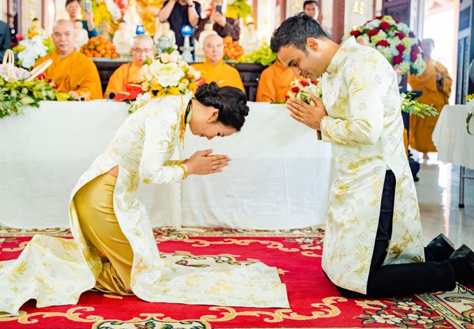 Ghen tỵ với loạt ảnh Võ Hạ Trâm đeo vàng nặng nhức cả cổ và tay trong ngày kết hôn với chồng Ấn Độ - Ảnh 6