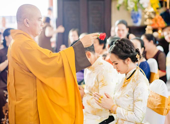 Ghen tỵ với loạt ảnh Võ Hạ Trâm đeo vàng nặng nhức cả cổ và tay trong ngày kết hôn với chồng Ấn Độ - Ảnh 8