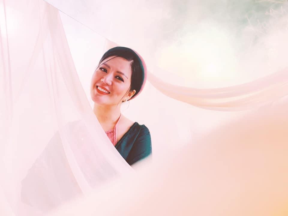 Vợ Thứ trưởng Bộ Tài Chính bất ngờ xuất hiện thân thiết bên danh hài Xuân Hinh - Ảnh 3