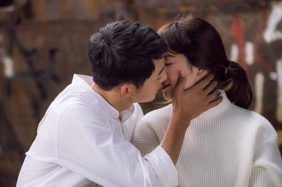 Khối tài sản của Song Joong Ki - Song Hye Kyo thay đổi ra sao nếu về chung một nhà? - Ảnh 1
