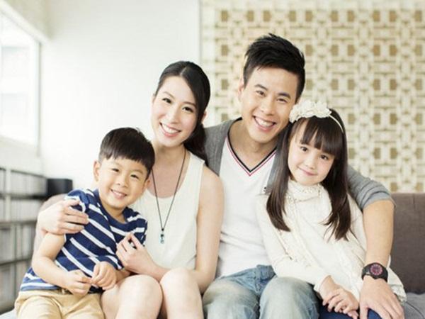 Vợ chồng sinh đủ 2 con được giảm thuế, ưu tiên mua nhà ở xã hội, hỗ trợ chi phí giáo dục
