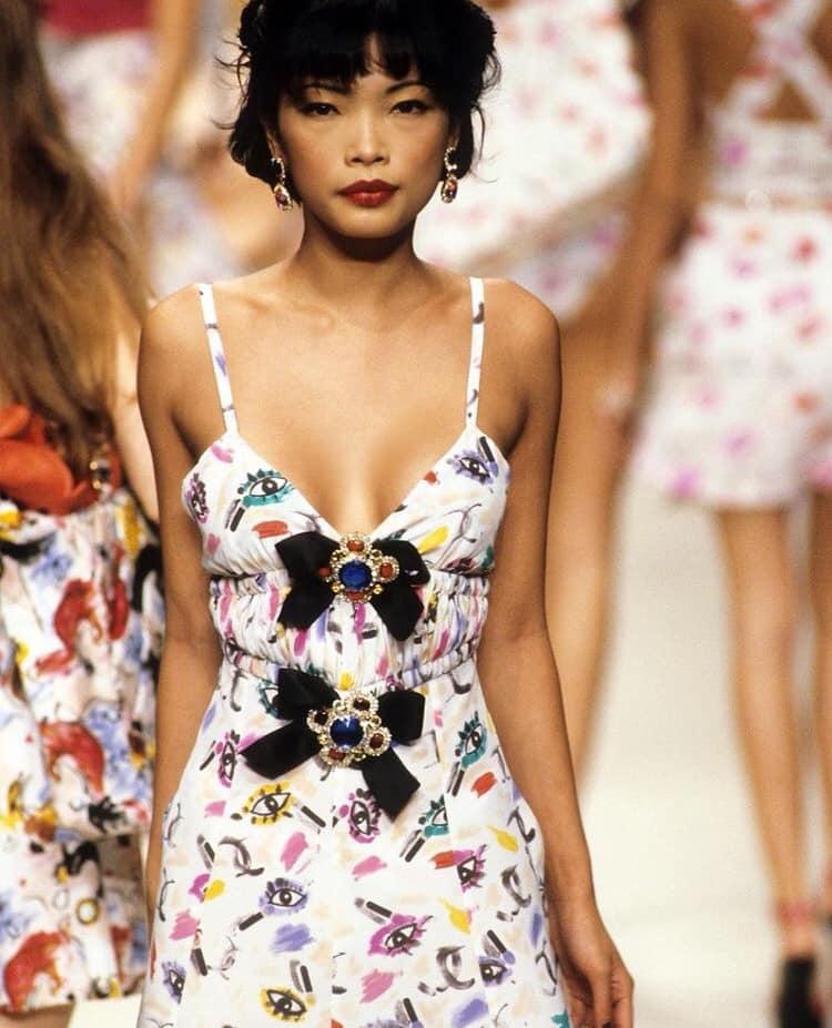 Siêu mẫu gốc Việt từng là bạn diễn của Chương Tử Di: Từ cô bé tự ti đến nàng mẫu tỏa sáng rực rỡ tại show Chanel - Ảnh 17