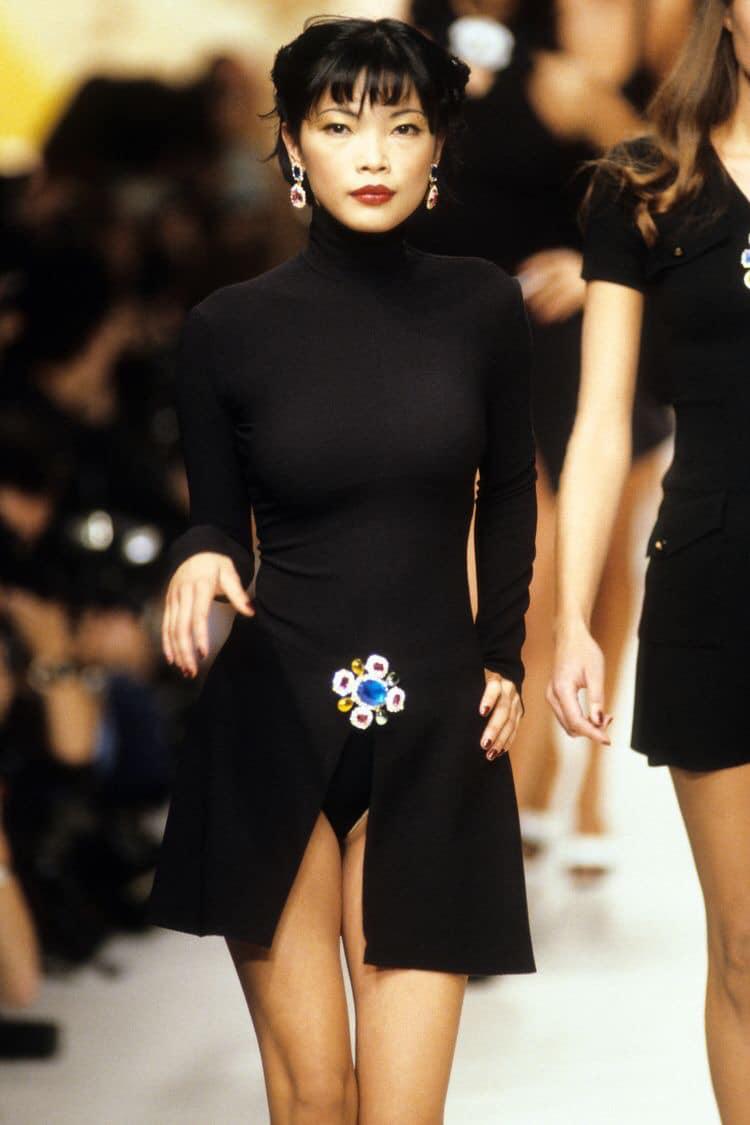 Siêu mẫu gốc Việt từng là bạn diễn của Chương Tử Di: Từ cô bé tự ti đến nàng mẫu tỏa sáng rực rỡ tại show Chanel - Ảnh 18