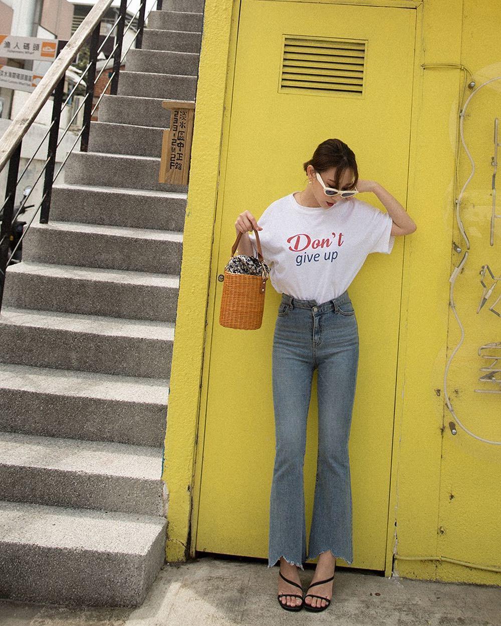 Phối đồ cùng áo phông trẻ trung, năng động cho ngày cuối tuần - Ảnh 5