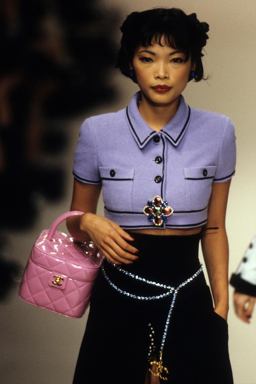 Siêu mẫu gốc Việt từng là bạn diễn của Chương Tử Di: Từ cô bé tự ti đến nàng mẫu tỏa sáng rực rỡ tại show Chanel - Ảnh 20