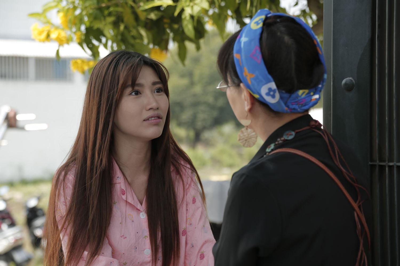 Phương Dung khóc nức nở khi nhận ra Chế Nguyễn Quỳnh Châu là con gái thất lạc ở Kiếm Chồng Cho Mẹ Chồng - Ảnh 1