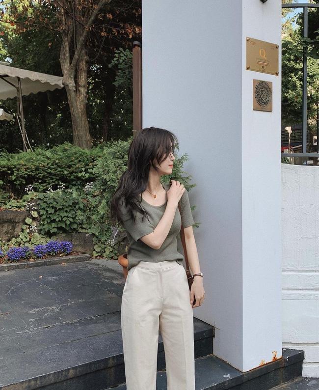 Hè diện quần trắng cho mát nhưng để sành điệu không chê được điểm nào, bạn nên ghim 12 cách mặc của gái Hàn - Ảnh 9