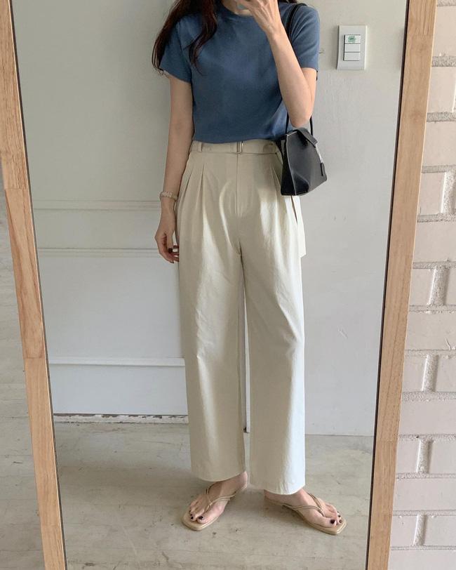 Hè diện quần trắng cho mát nhưng để sành điệu không chê được điểm nào, bạn nên ghim 12 cách mặc của gái Hàn - Ảnh 11