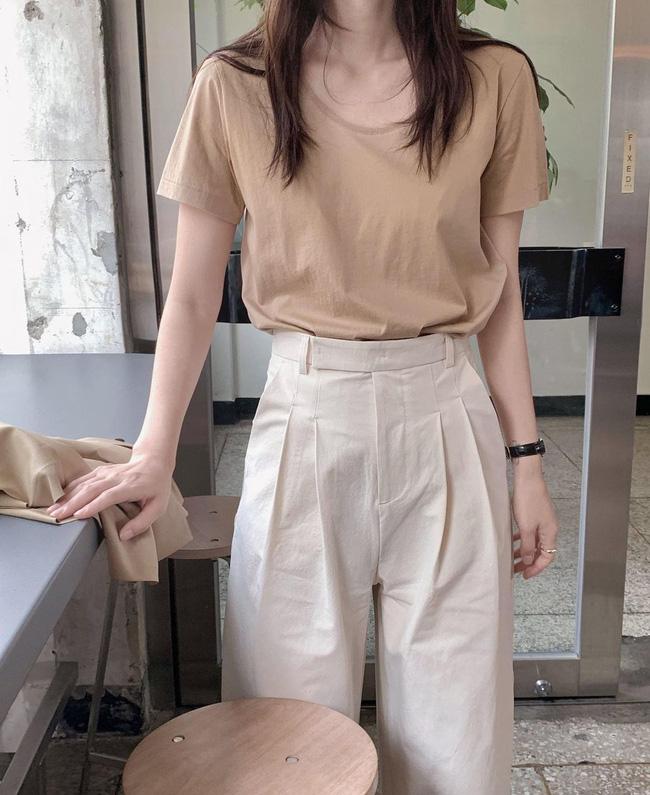Hè diện quần trắng cho mát nhưng để sành điệu không chê được điểm nào, bạn nên ghim 12 cách mặc của gái Hàn - Ảnh 12