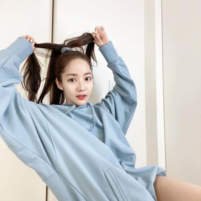 Hội mỹ nhân Hàn tóc dài có cả tá cách tạo kiểu 'dễ như chơi', nhưng sẽ giúp visual lên hương - Ảnh 8